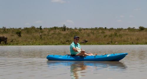 Kayaking on the Mugie Dam